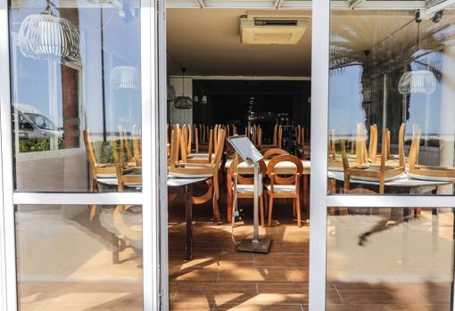 Imagen del interior de un restauranrte del paseo marítimo de Valencia