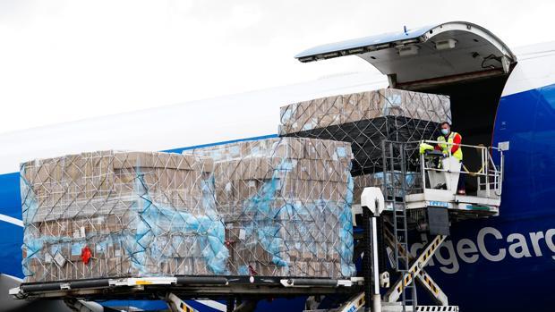 Imagen de archivo de otro de los aviones con material sanitario que ha aterrizado en Madrid