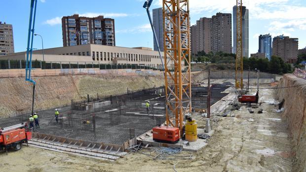 Фундаментные работы на базе нового небоскреба в Бенидорме на этой неделе