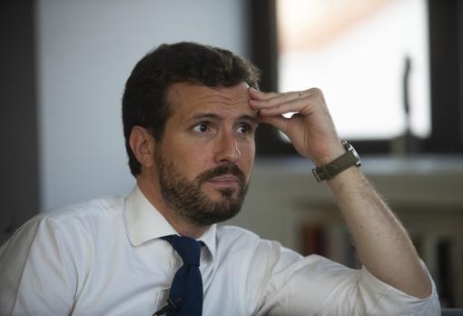 Casado asegura que no fue informado previamente de la salida de Don Juan Carlos