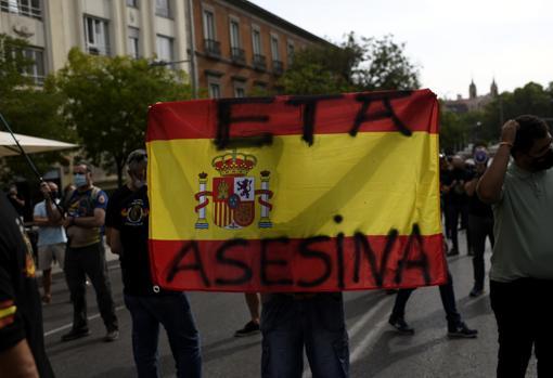 Una bandera de España durante la protestta