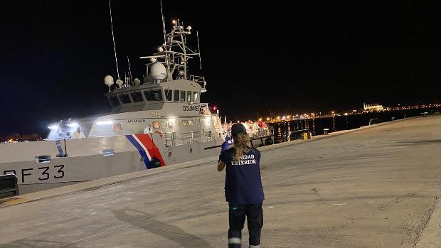 Localizados en una sola noche 164 inmigrantes en aguas de Baleares a bordo de once pateras distintas