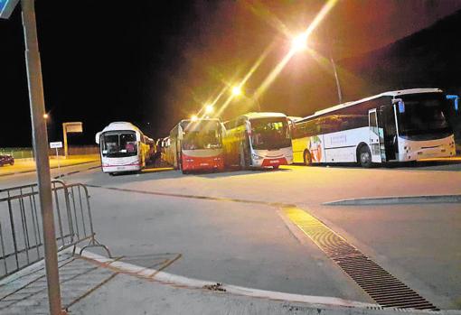 Autobuses habilitados para el regreso de los inmigrantes