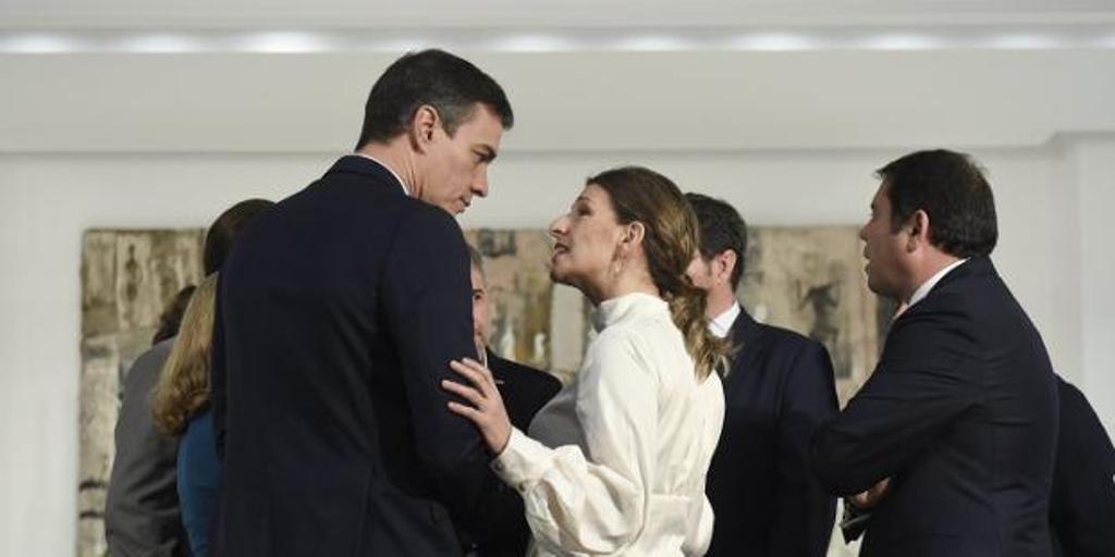 Bronca de Podemos al Gobierno por el espectáculo ofrecido con el decreto de interinos