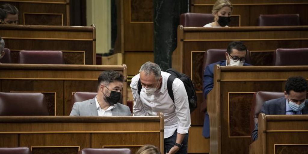 El Gobierno salva el decreto de interinos en una negociación al límite: «Los partidos estaban de uñas»
