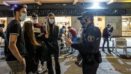Imagen de archivo de agentes de la Policía Local en Valencia
