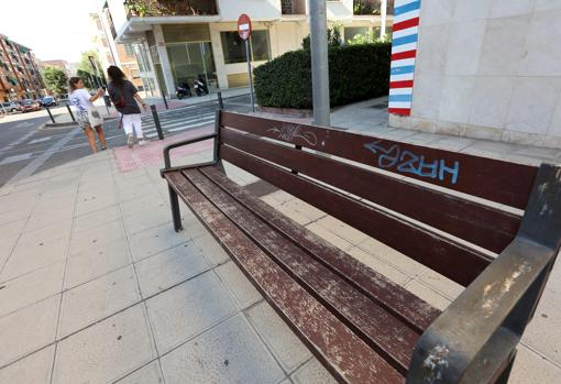 In many streets the urban furniture is very deteriorated