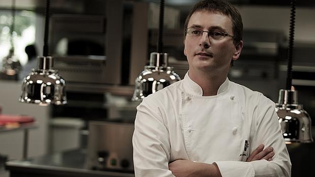 Andoni Luis Aduriz en la cocina de Akelarre