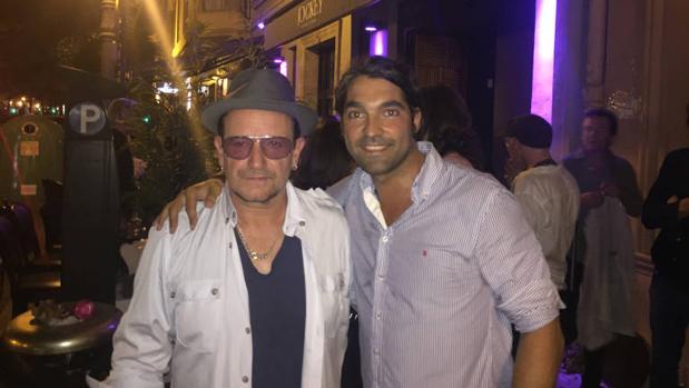 Los integrantes de la banda encuentran en Valencia para asistir a la boda de un amigo de Bono
