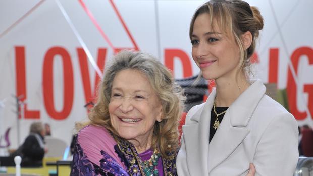 Marta Marzotto junto a su nieta Beatrice Borromeo
