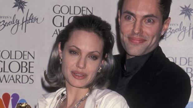 Angelina Jolie junto a su hermano James
