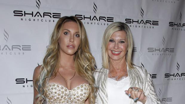 Olivia Newton junto a su hija Chloe Lattanzi
