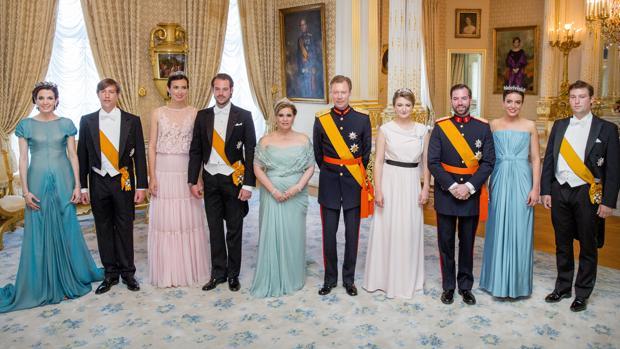 Tessy y Luis de Luxemburgo, La Princesa Clara y Félix de Luxemburgo, los Grandes Duques, la Princesa Estefanía y el Príncipe Guillermo, la Princesa Alejandra y el Príncipe Sebastián