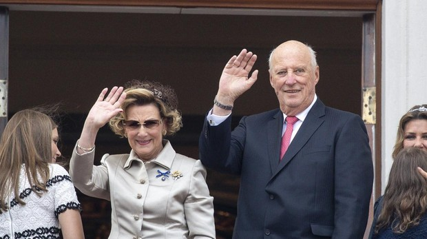 Harald y Sonia de Noruega durante la celebración de sus 50 años de matrimonio