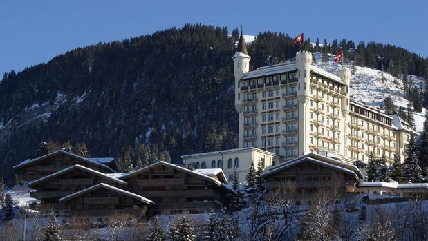 En el cantón de Berna Panorámida de la estación de Gstaad, a más de mil metros de altitud y perteneciente a la comuna de Saanen