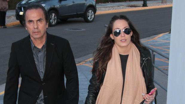La cantante Malú y el músico Pepe de Lucía