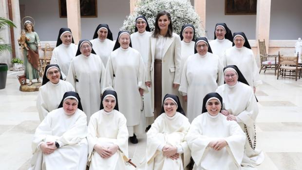 Doña Letizia, con las monjas del Monasterio de San Blas de Lerma (Burgos)