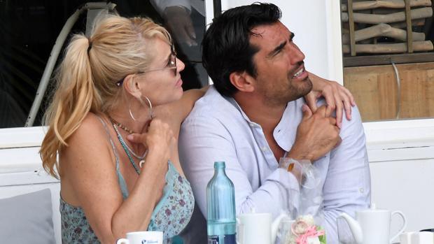 La actriz Belén Rueda junto a su ex novio Francis Malfatto