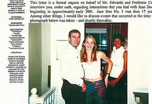 La fotografía del duque de York con Virginia Giuffre y Ghislaine Maxwell en una carta legal publicada por un tribunal de Florida