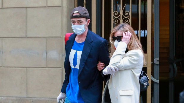 Alessandro Lequio y Ana Obregón, ayer, cuando salieron de Barcelona