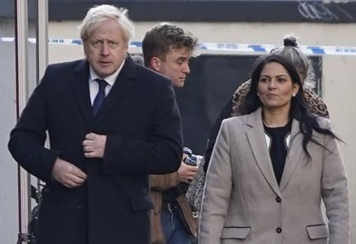 Priti Patel y Boris Johnson