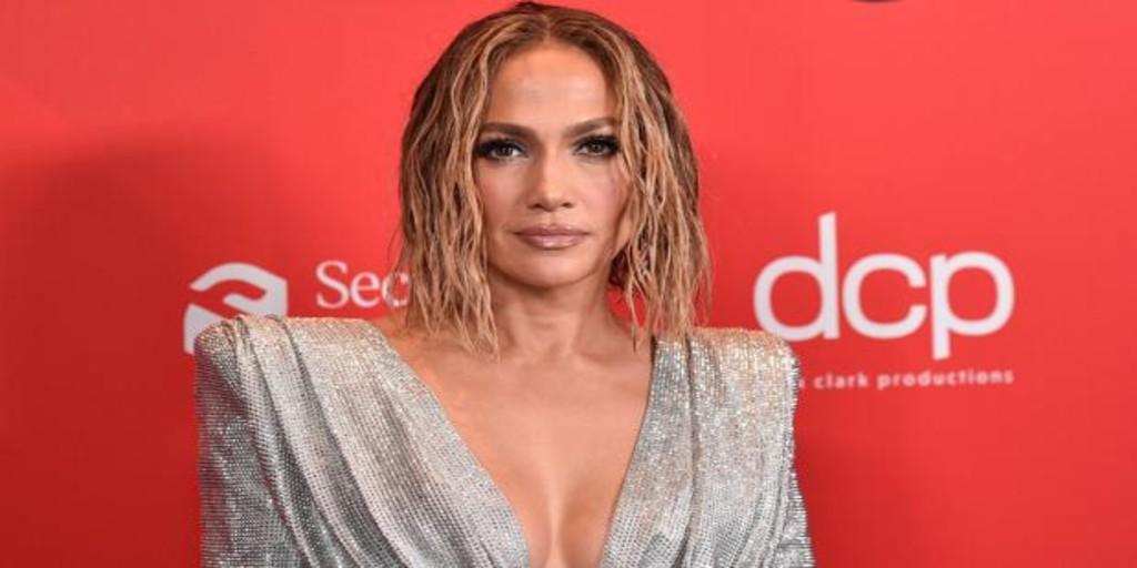 Jennifer Lopez exhibe demasiado erotismo para el canon televisivo