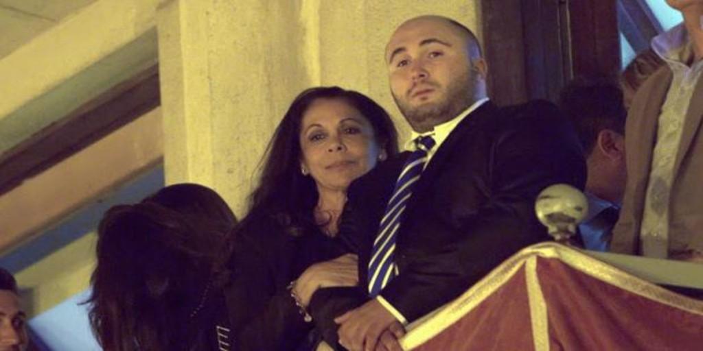 El gesto con el que Isabel Pantoja pretende acercar posturas con su hijo, Kiko Rivera