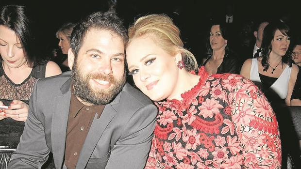 Adele resuelve, sin abogados, su divorcio de Simon Konecki tras dos años separada