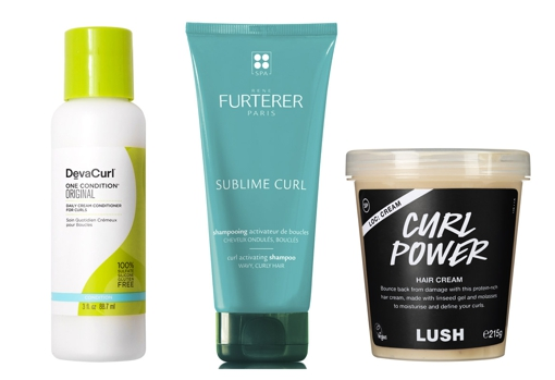 From left to right: Devacurl Original One Conditioner (€ 26.99, only at Sephora);  Sublime Curl shampoo for curly hair by René Furterer (€ 16.10) and Curl Power hair cream for curly hair by Lush (from € 13).