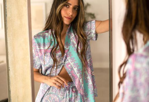 María F. Rubíes with THE-ARE pajamas (€ 39.95 and € 24.95)