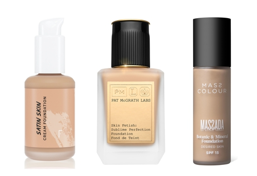 From left to right: Satin Skin Cream Foundation by Freshly Cosmetics (€ 22);  Pat McGrath Labs Skin Fetish Sublime Perfection Lightweight Foundation (€ 70.99, Sephora only);  Mass Color Botanic & amp;  Massada Mineral Foundation (€ 42).