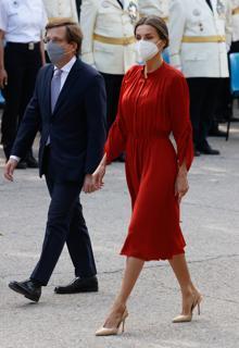Queen Letizia with the mayor of Madrid José Luis Martínez-Almeída