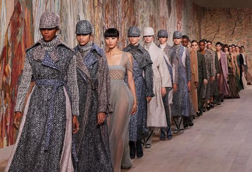 End of the Dior Fall 2021 Haute Couture show
