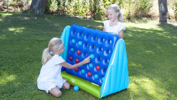 Dos niñas jugando