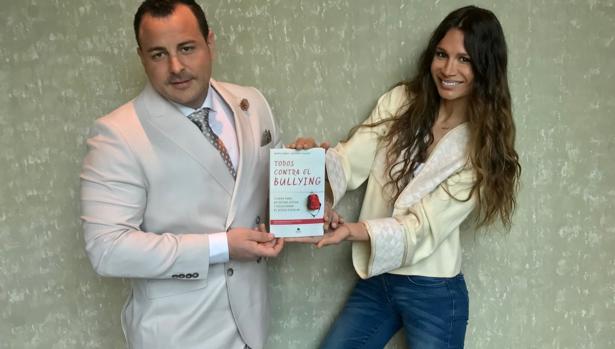 Todos contra el bullying, el libro de María Zabay y Antonio Casado