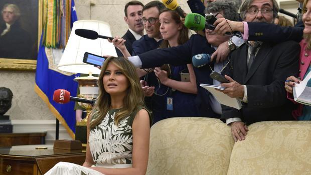 Melania Trump, primera dama de Estados Unidos, en el Despacho Oval