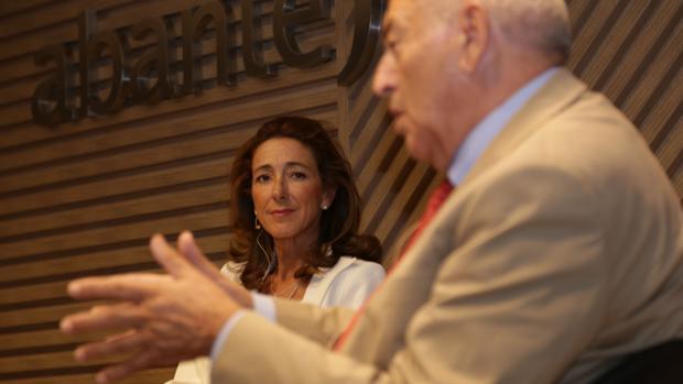 Sonia Díez y José Antonio Marina durante la presentación de «Educacción»
