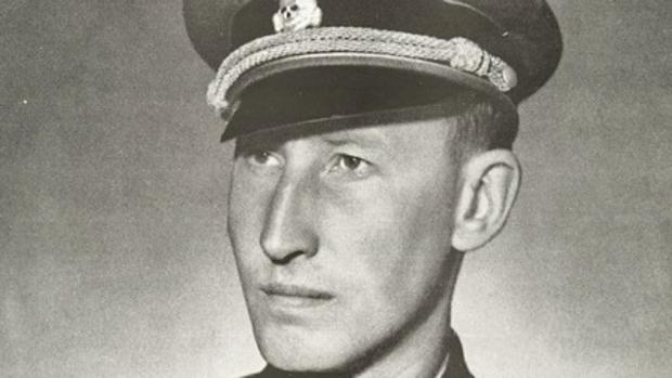 Hitler, junto a varios oficiales (entre ellos, Heydrich)