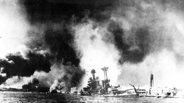 Los japoneses atacan por sorpresa la base americana de Pearl Harbor
