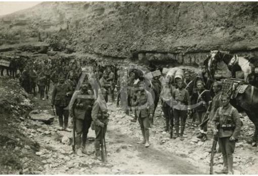 Campaña de Melilla, 10/3/1924. Un convoy a Tizzi-Azza. Fuerzas del Tercio dispuestas para proteger la operación