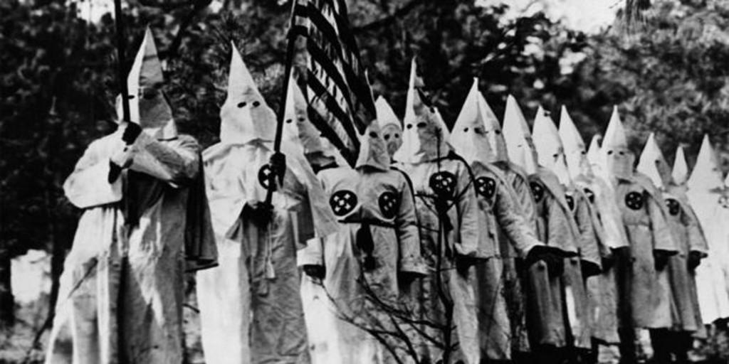La vergüenza del Ku Klux Klan: el gran líder que se suicidó al desvelarse que era judío