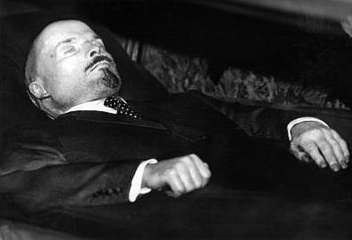 Lenin, muerto