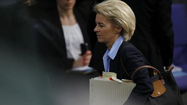 La ministra de defensa alemana, Ursula von der Leyen, en su comparecencia parlamentaria