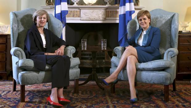 Theresa May y Nicola Sturgeon