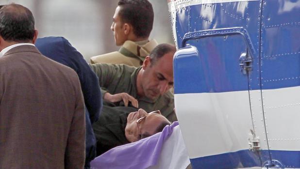 Mubarak sólo tiene una condena en firme, de tres años, por apropiación ilegal de fondos públicos