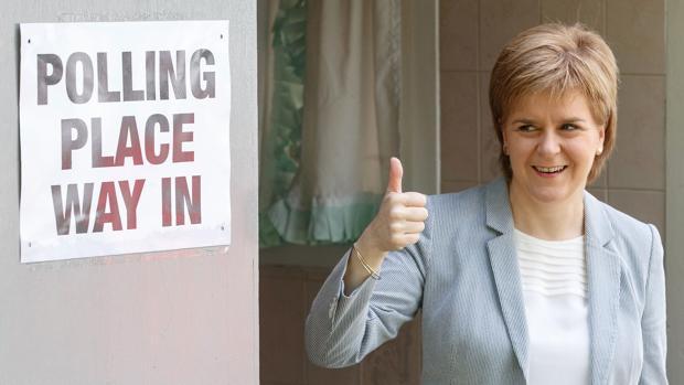 Nicola Sturgeon, tras votar en el referéndum británico sobre la UE en 2016