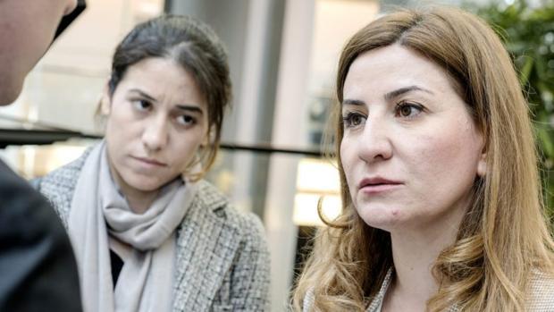 La diputada Vian Dakhil (dir), la única mujer Yazidí que integra el Parlamento de Irak