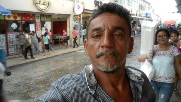 El periodista mexicano Cándido Ríos Vázquez, quien figuraba en un programa de protección gubernamental, y otros dos individuos, han muerto asesinados en el estado oriental de Veracruz