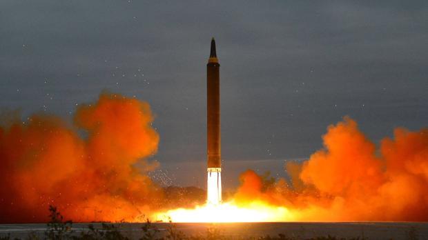 Imagen que muestra el supuesto lanzamiento de un misil estratégico balístico de alcance intermedio
