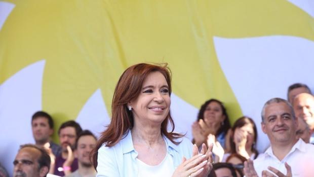 Cristina Fernández, durante un acto de campaña en Avellaneda (Buenos Aires)